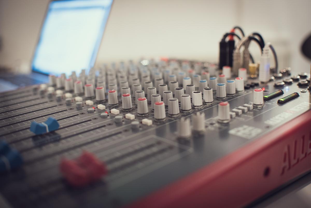 Probestunde bereinbaren - Professionell abgemischter Sound