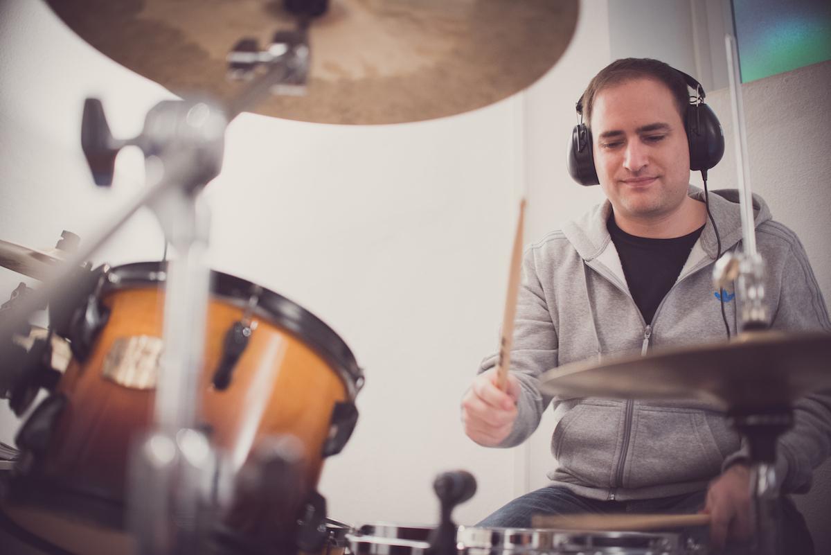 Schlagzeugunterricht auf modernem Equipment mit kostenloser Probestunde. So macht Schlagzeugspielen spaß zu lernen.